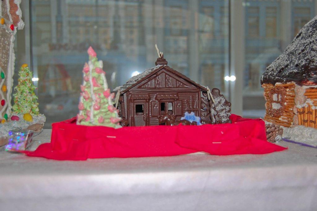Выставка   пряничных  домиков ---