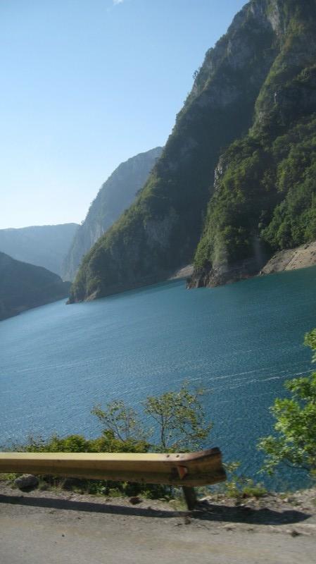 The road To river Tara