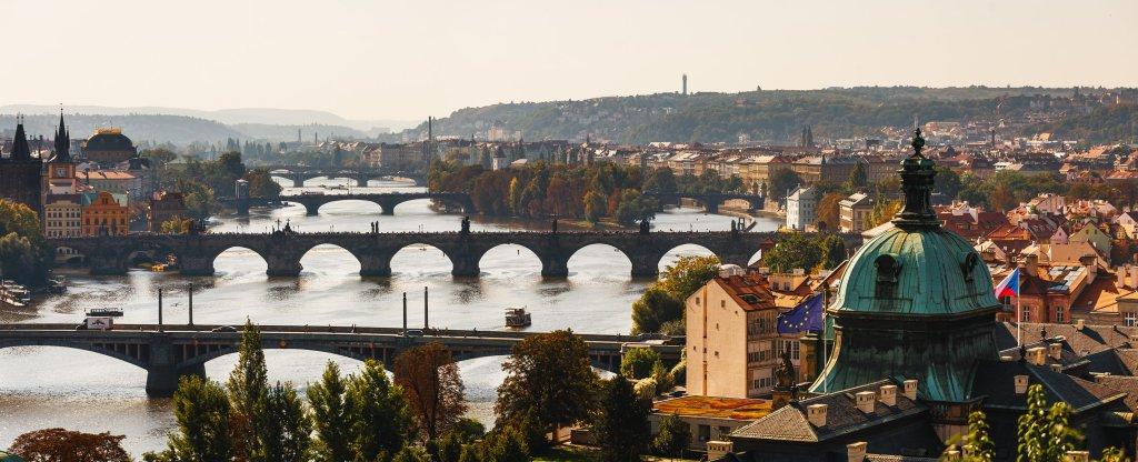 Панорама Прага, вид на Карлов Мост