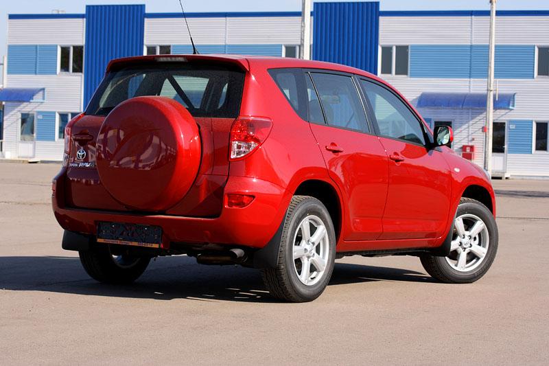 Toyota Rav4 2.0 AT Красный