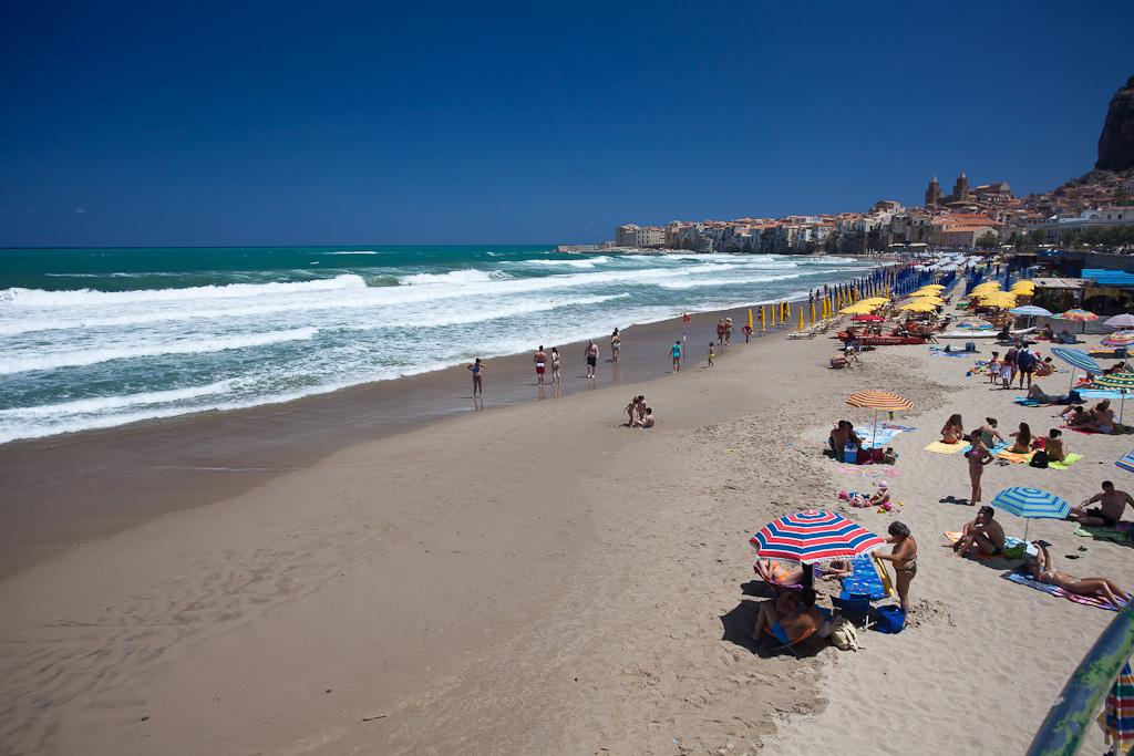 Пляжи Чефалу