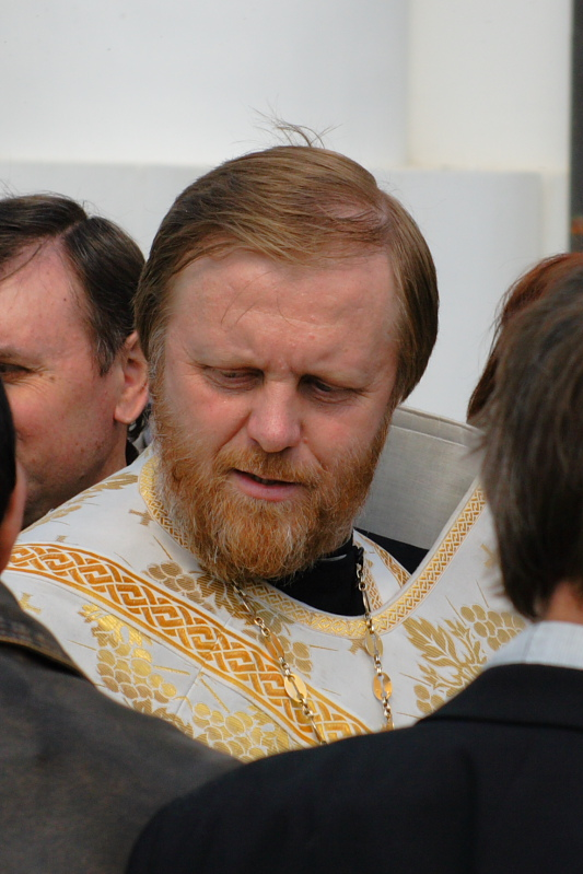 Отец Александр, освящение пасхальных куличей