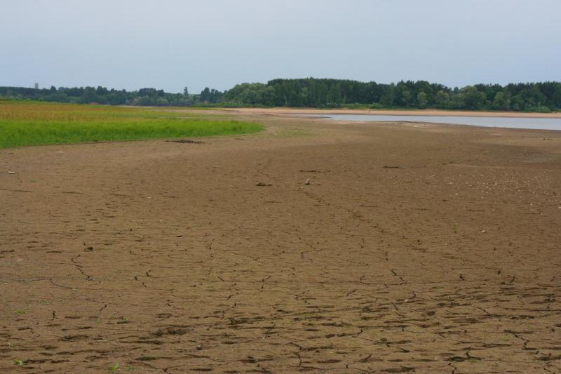 Cброс воды на можайском водохранилище Июнь 2008