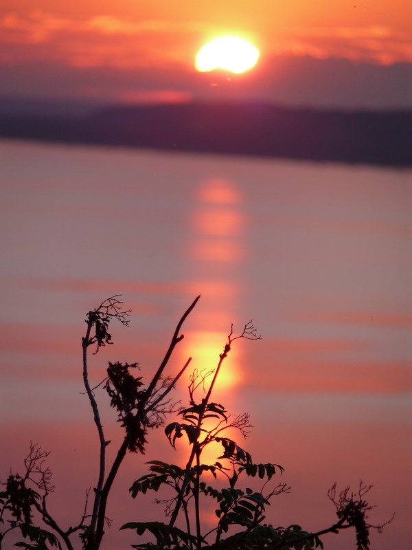 Закат над озером 3