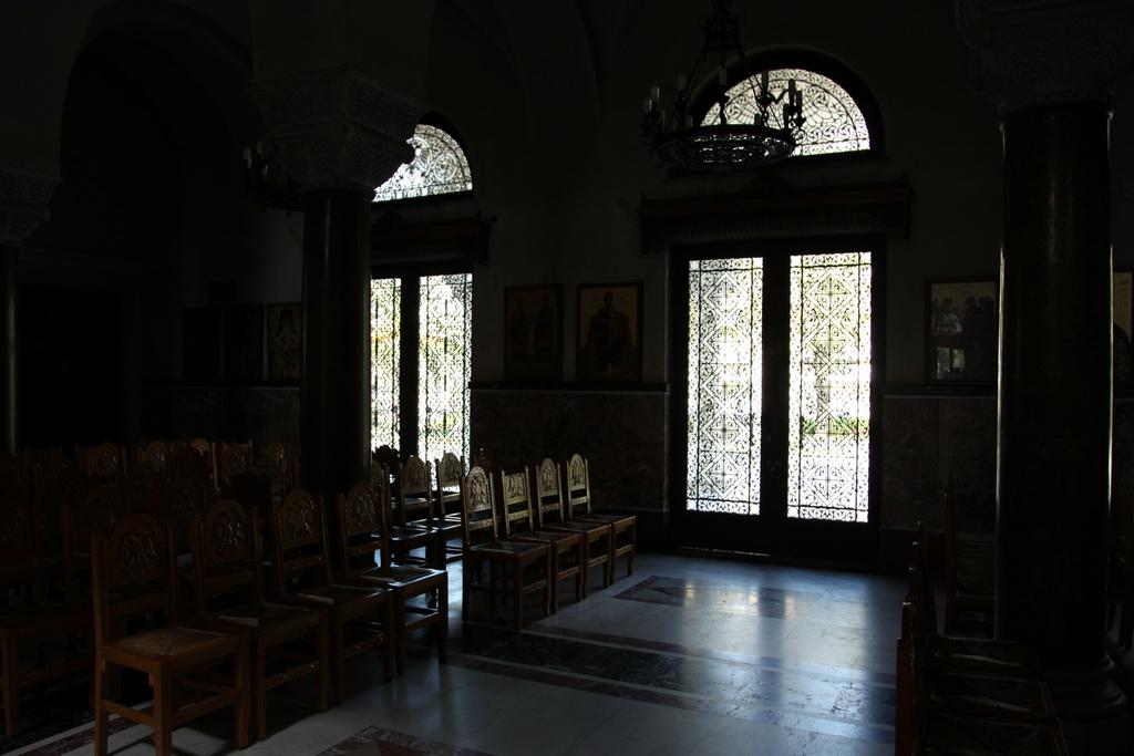 галерея из дверей