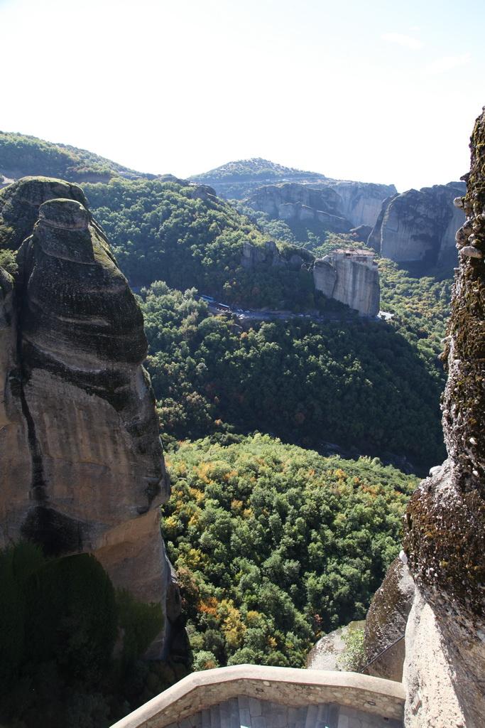 Вид на монастырь св. Варвары
