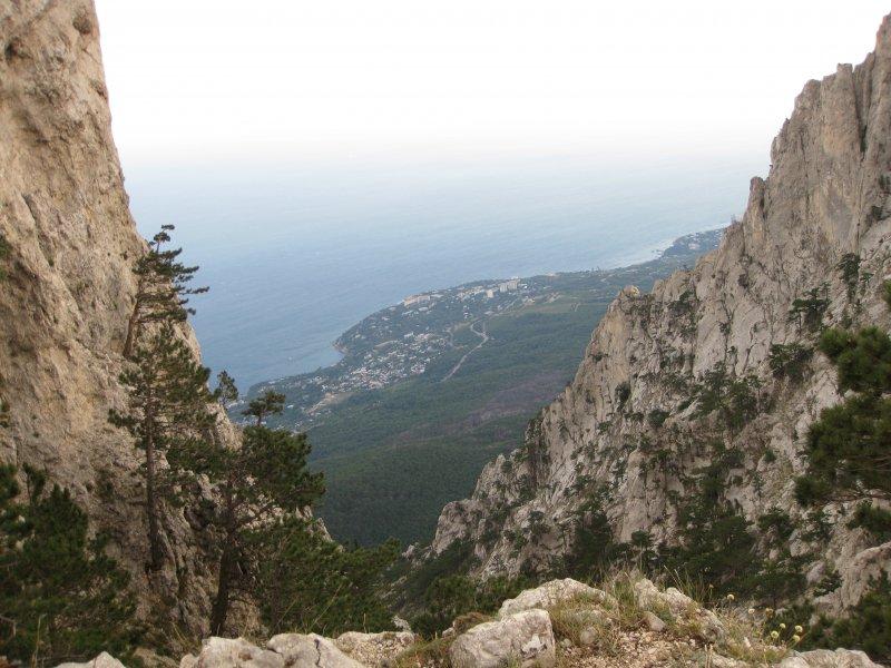 Вид на Ялту с вершины Ай-Петри2009год