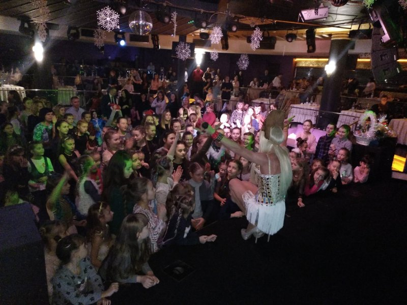 Пародист Дима Черников (Шоу двойников и театр пародий)- Оля Полякова в Виннице