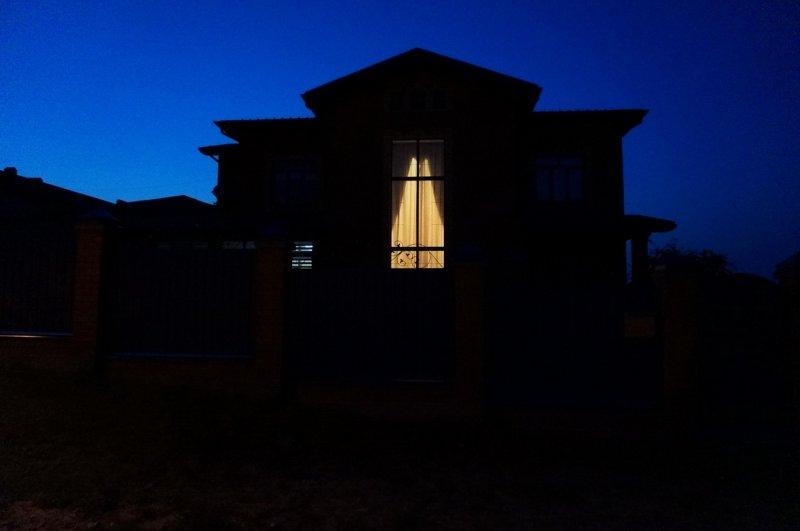 "Пагода из цикла ""Одиночество света"""