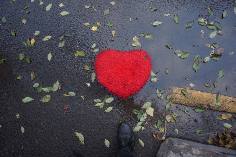 ... все было иначе - и сердце осталось лежать на асфальте... (Вспоминая Дольского)
