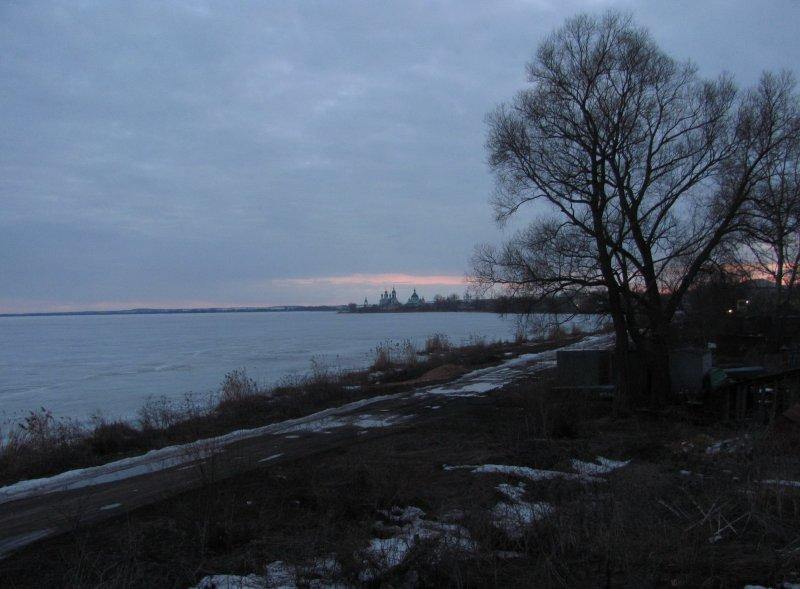 Вечер в конце зимы