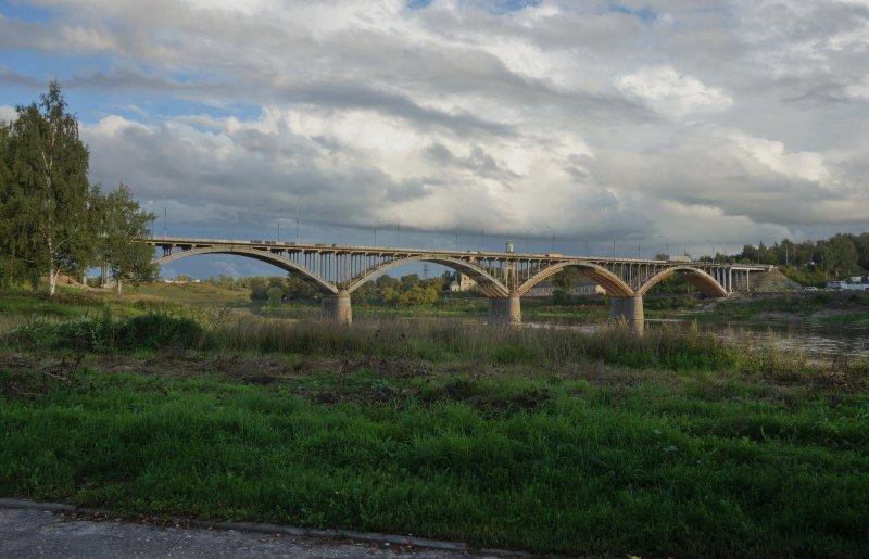 Пейзах с мостом