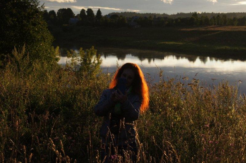 Вечер над тихой рекою