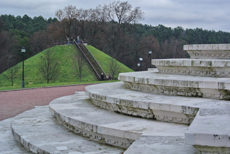 Ступени храма и смотровая площадка