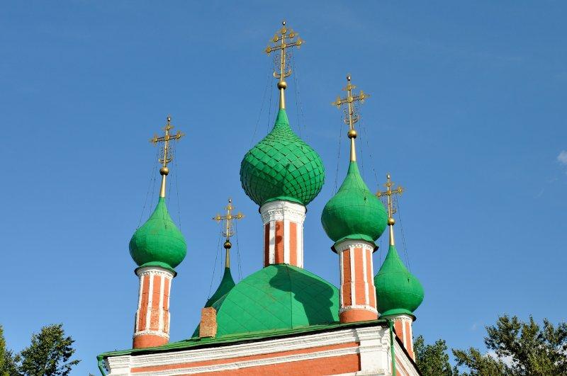 Купола церкви Александра Невского