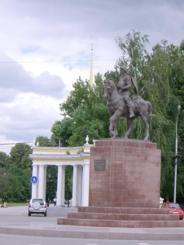 Великому князю Олегу Рязанскому
