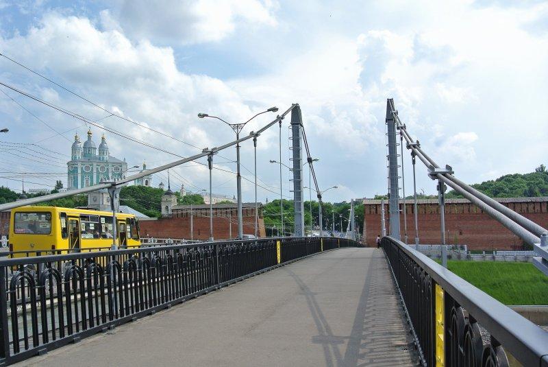 Пешеходный мост через Днепр
