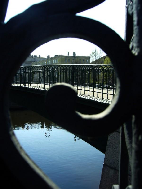 Завиток, река и мост
