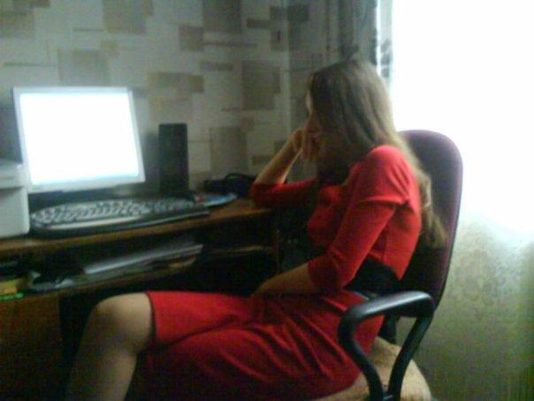 Даже в гостях, как на работе)