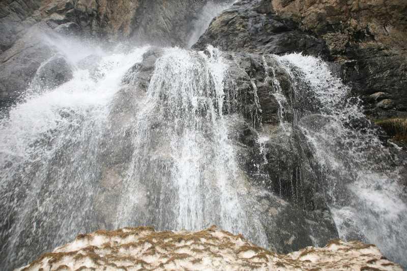 Водопад Бурхан Булак
