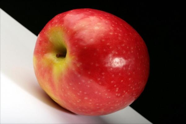 Яблоко инь-янь