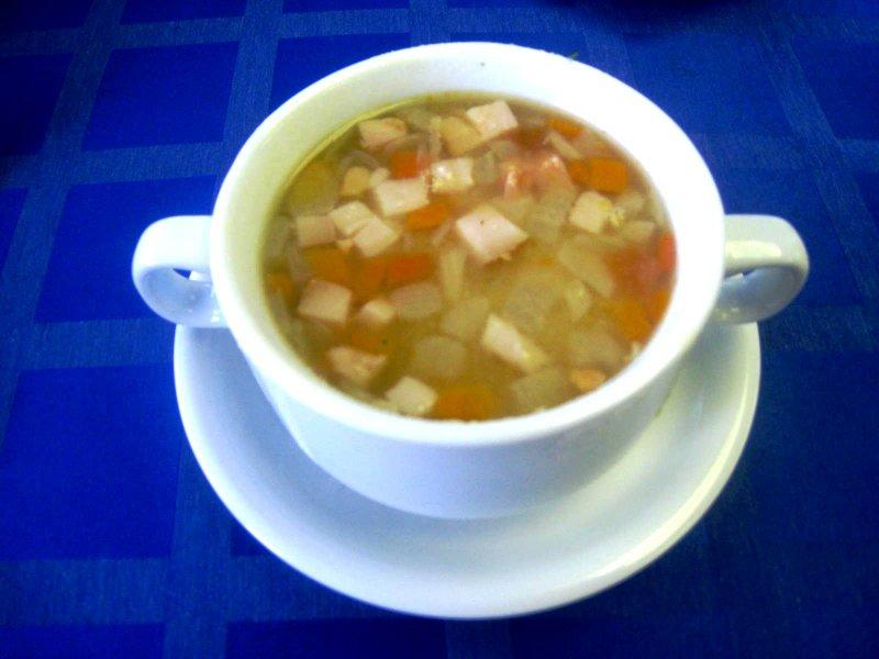 Простой горохового супа с копченостями фото