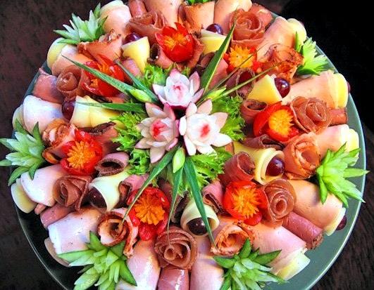 украшение нарезки, цветочки - карвинг