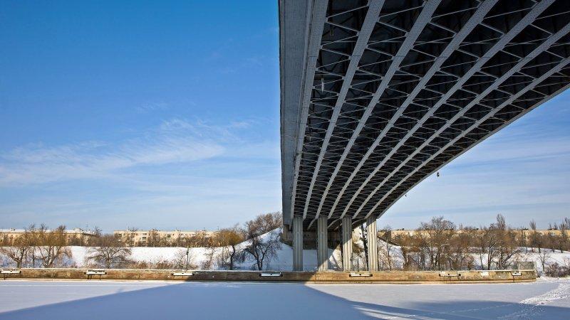 под мостовая тень