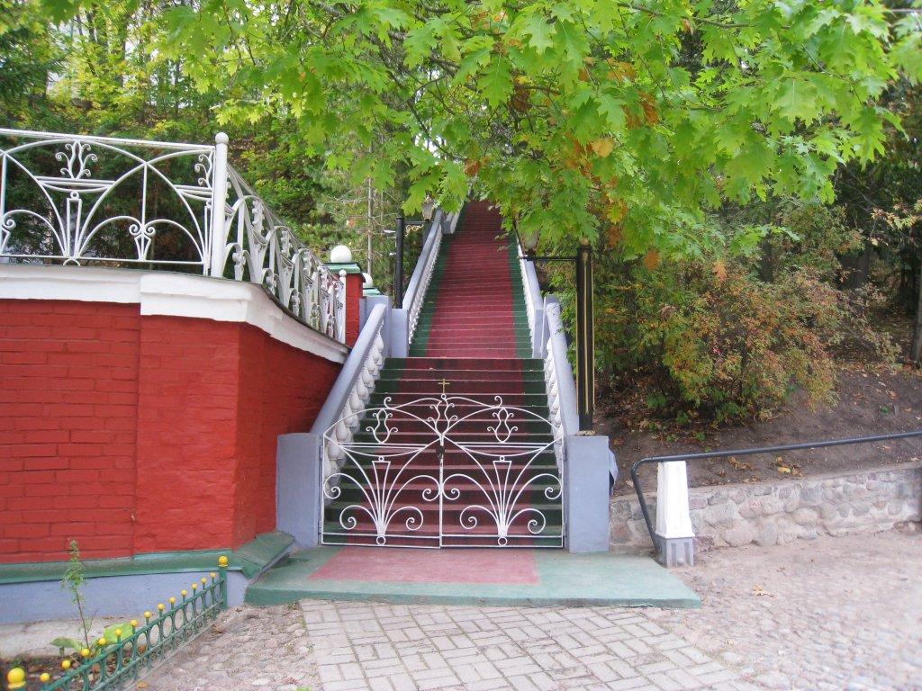 лестница в верхнюю часть монастыря, к Михайловскому собору